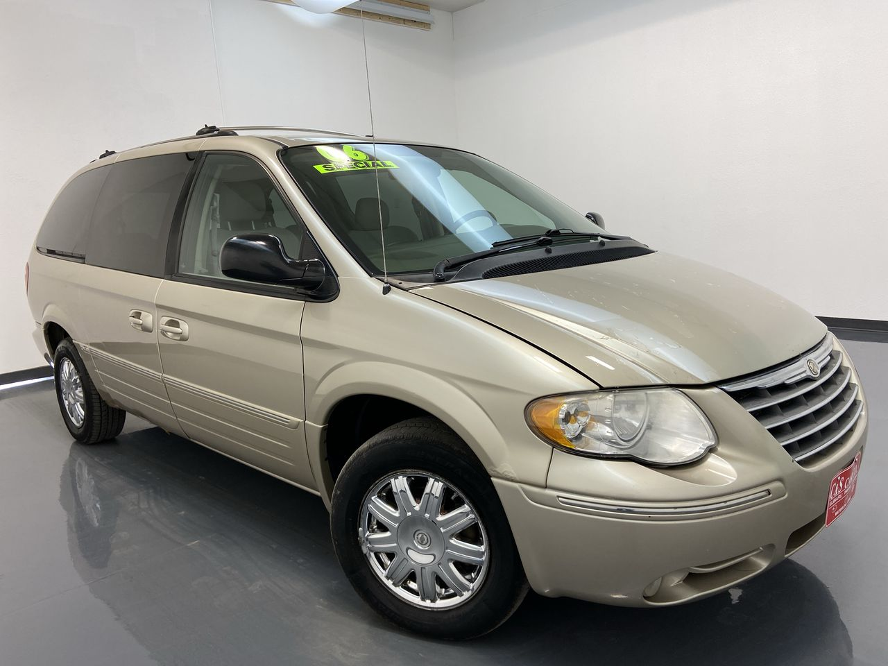 2006 Chrysler Town & Country Wagon LWB  - 16362A  - C & S Car Company