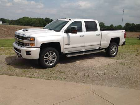 2018 Chevrolet Silverado 2500HD High Country for Sale  - 257011  - Wiele Chevrolet, Inc.