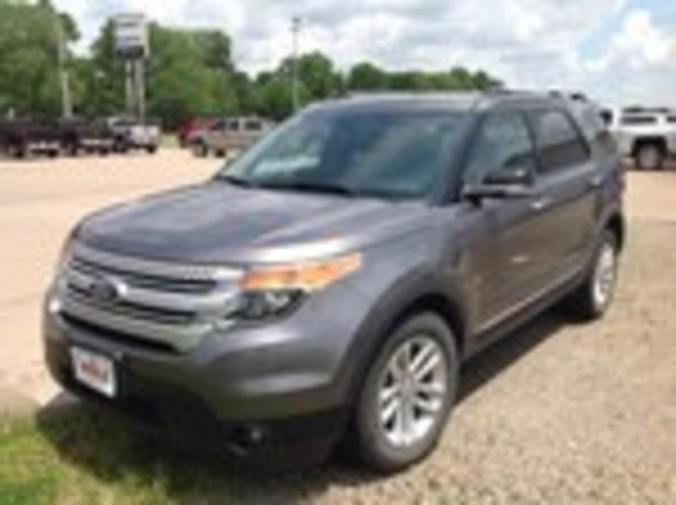 2014 Ford Explorer  - Wiele Chevrolet, Inc.