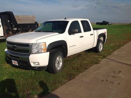 2011 Chevrolet Silverado 1500 LT for Sale  - 218306  - Wiele Chevrolet, Inc.