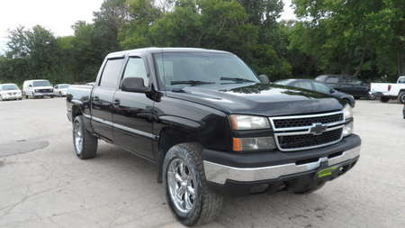 2006 Chevrolet Silverado 1500 LT1 4WD Crew Cab for Sale  - 11709  - Area Auto Center