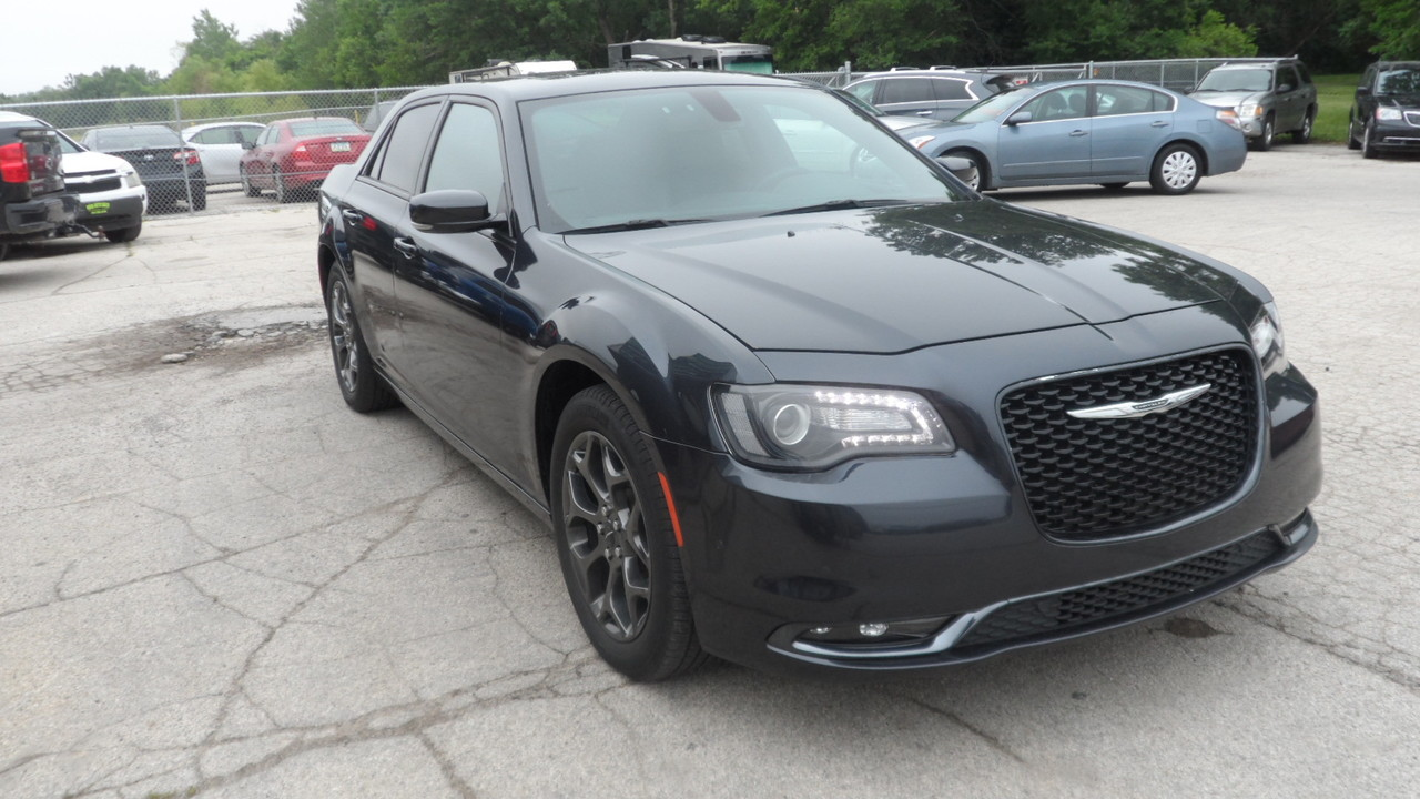 2017 Chrysler 300 S AWD  - 13033X  - Area Auto Center