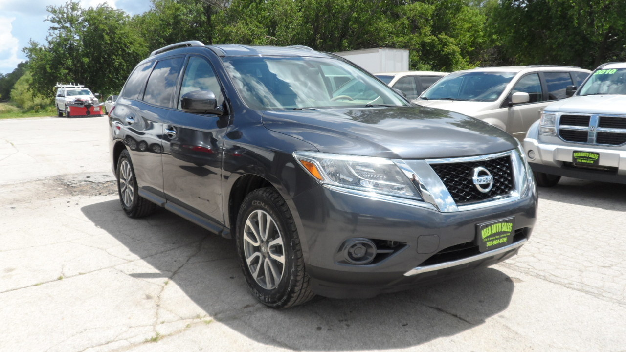 2013 Nissan Pathfinder  - Area Auto Center