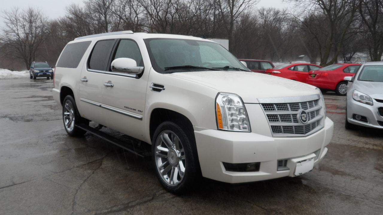 2010 Cadillac Escalade ESV  - Area Auto Center