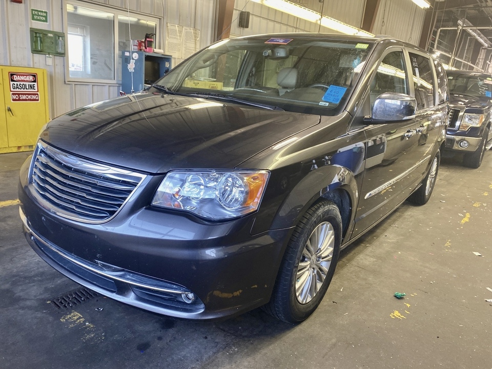 2015 Chrysler Town & Country  - IA Motors