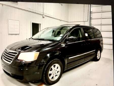 2010 Chrysler Town & Country TOURING for Sale  - 10886  - IA Motors