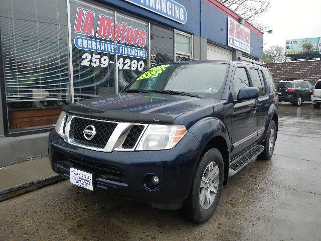 2011 Nissan Pathfinder  - IA Motors