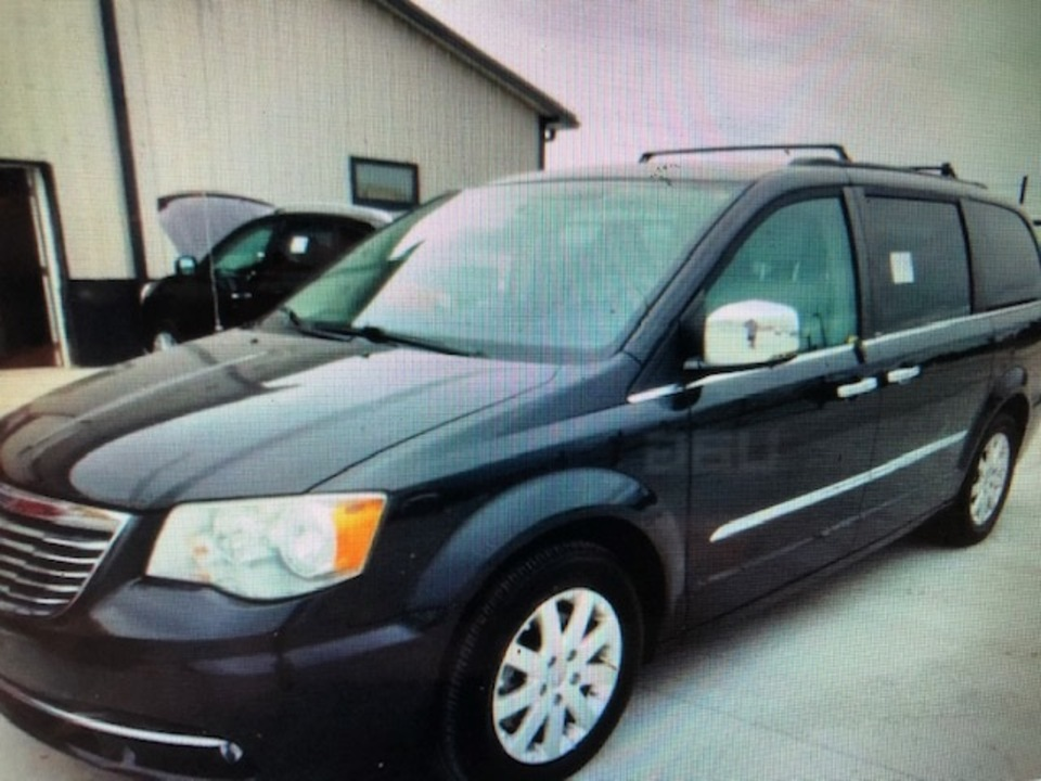 2012 Chrysler Town & Country  - IA Motors