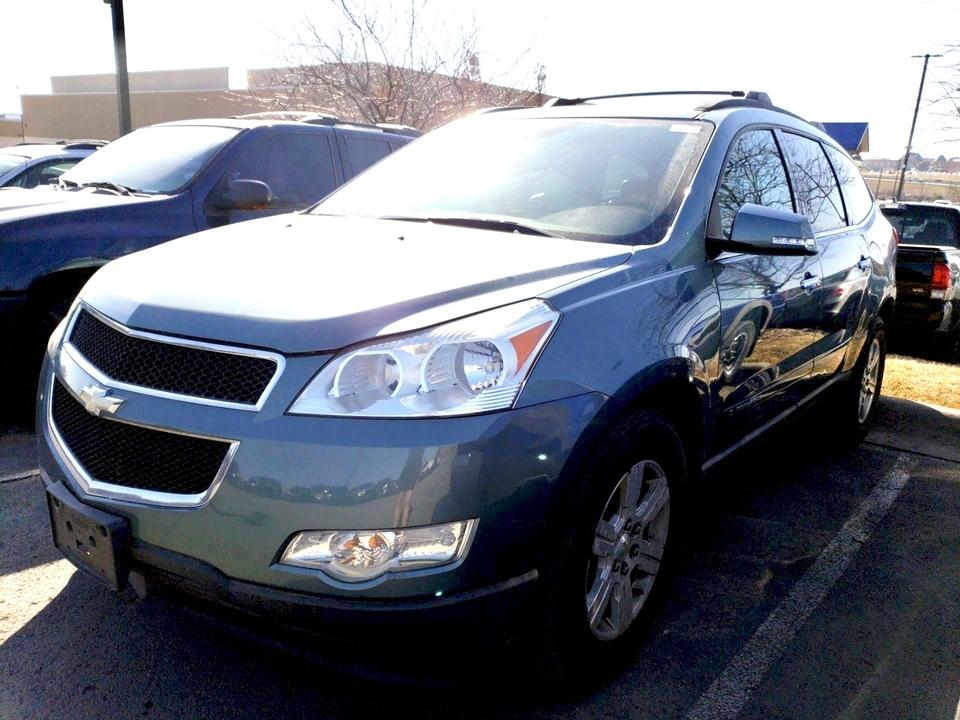 2009 Chevrolet Traverse  - IA Motors