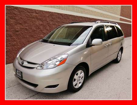 2009 Toyota Sienna XLE for Sale  - P600  - Okaz Motors