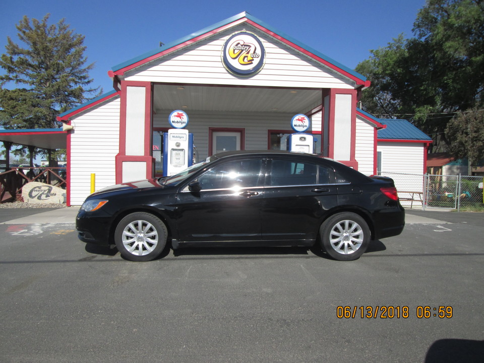 2011 Chrysler 200  - Country Auto