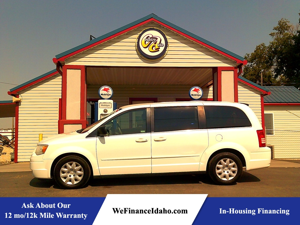 2009 Chrysler Town & Country LX  - 9058R  - Country Auto