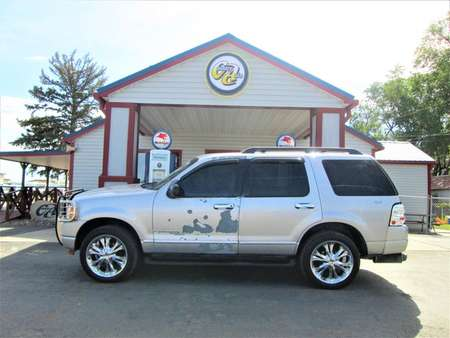 2005 Ford Explorer XLT 4WD for Sale  - 8221  - Country Auto
