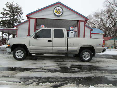 2001 Chevrolet Silverado 2500 LT 4WD Extended Cab for Sale  - 7984R  - Country Auto