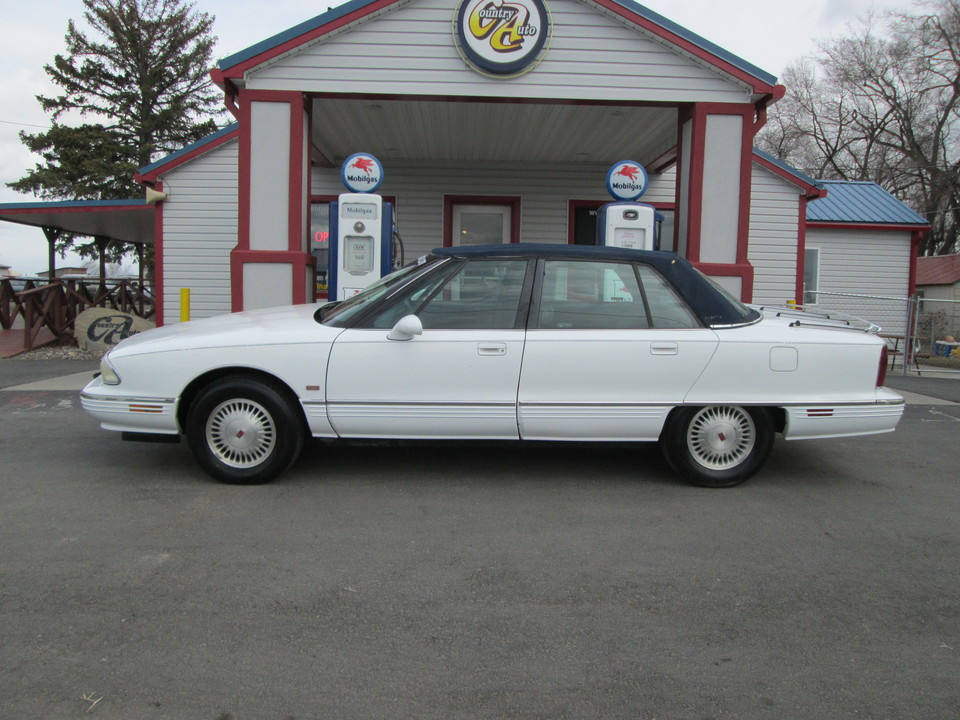 1995 Oldsmobile 98 Regency Elite  - Country Auto