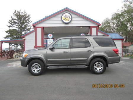 2005 Toyota Sequoia SR5 4WD for Sale  - 7633  - Country Auto