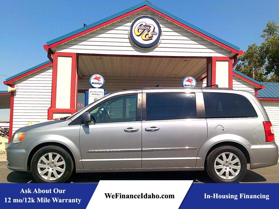 2014 Chrysler Town & Country Touring  - 9072  - Country Auto