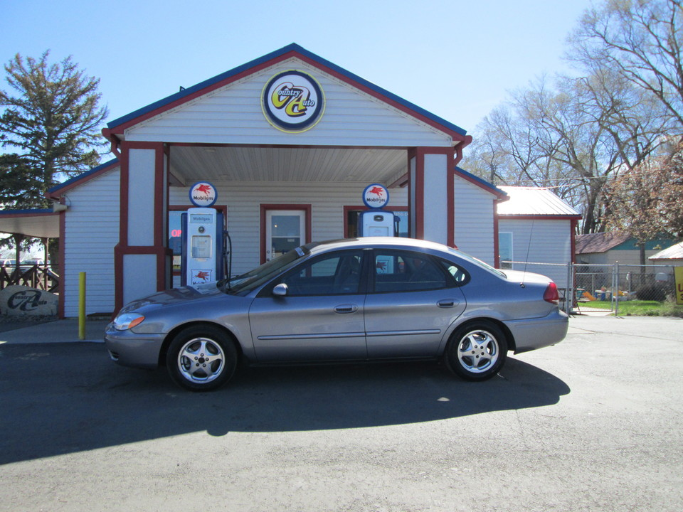2006 Ford Taurus  - Country Auto