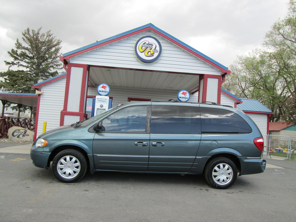 2006 Chrysler Town & Country  - Country Auto