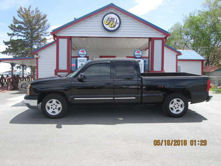 2005 Chevrolet Silverado 1500 LS Extended Cab for Sale  - 7640  - Country Auto