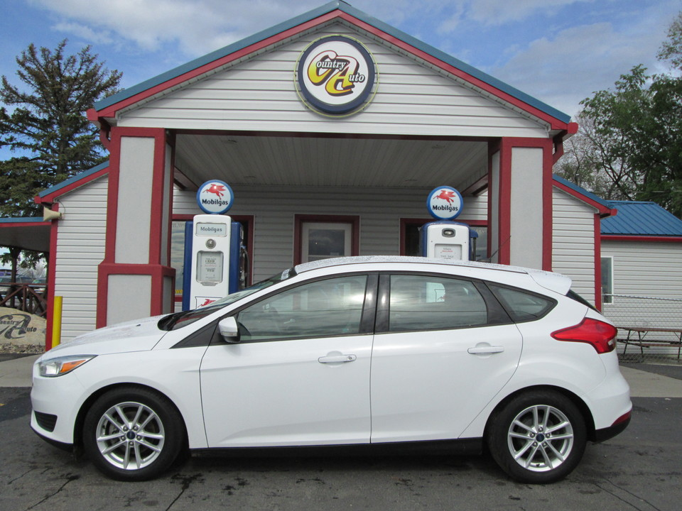 2015 Ford Focus  - Country Auto