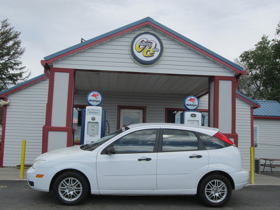2007 Ford Focus  - Country Auto
