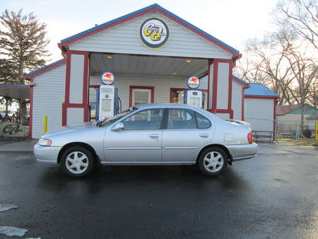 1999 Nissan Altima  for Sale  - 7974  - Country Auto