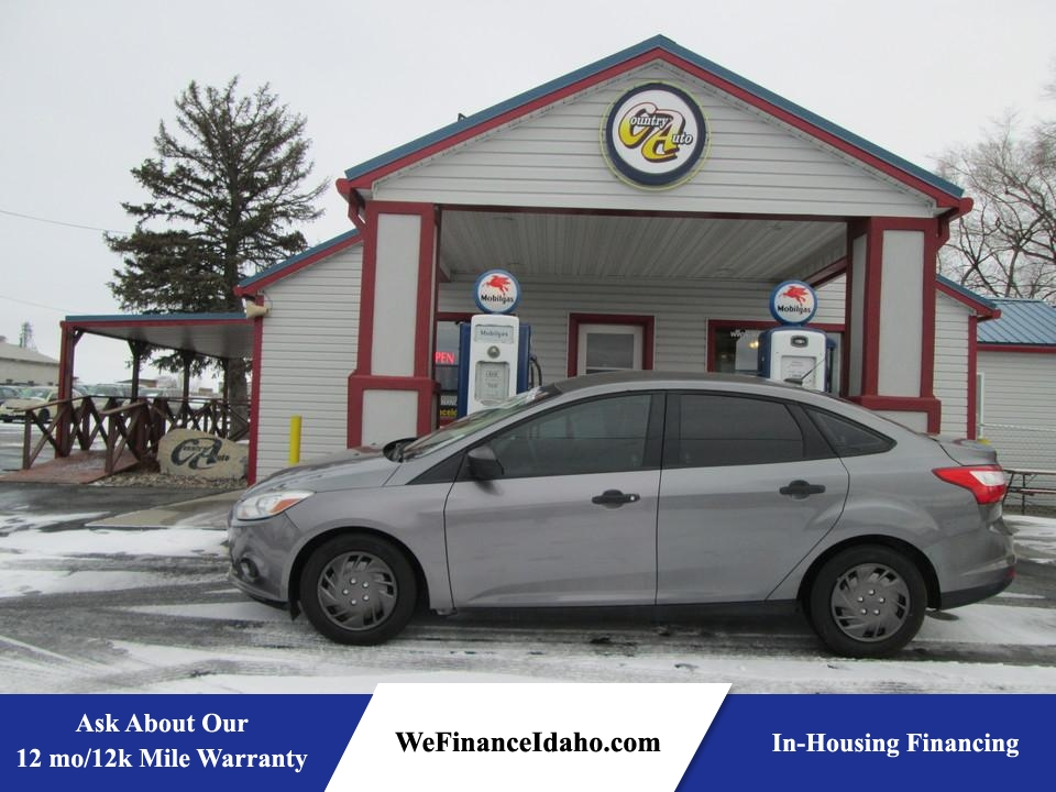 2012 Ford Focus  - Country Auto