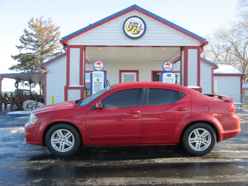 2013 Dodge Avenger  - Country Auto