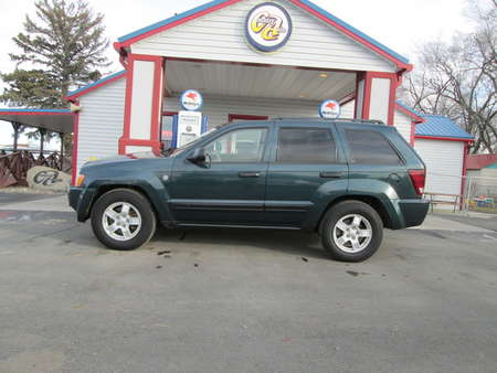 2005 Jeep Grand Cherokee Laredo 4WD for Sale  - 8120R  - Country Auto