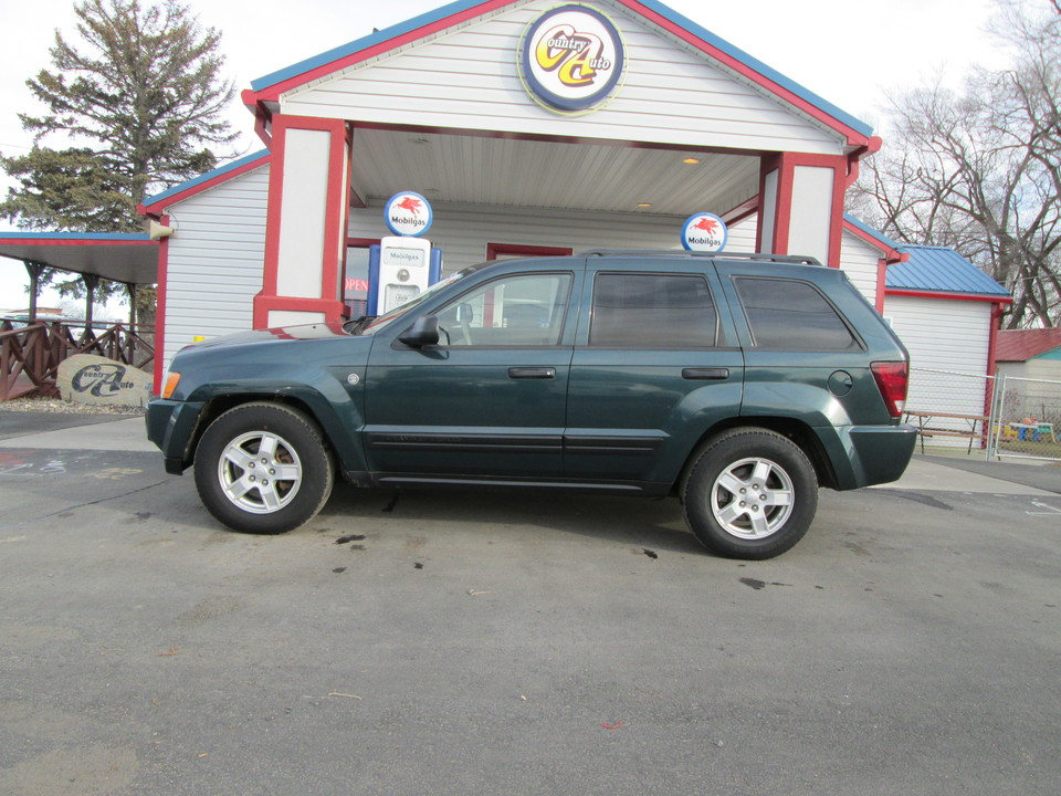 2005 Jeep Grand Cherokee  - Country Auto