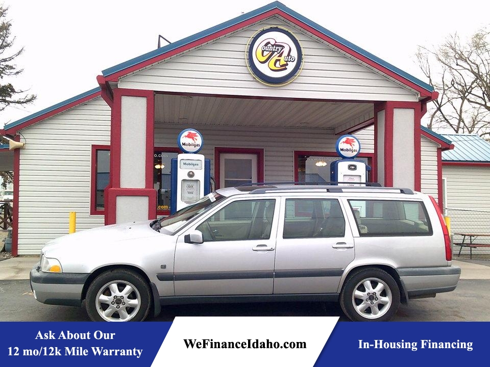 2000 Volvo V70 AWD  - 8457R  - Country Auto