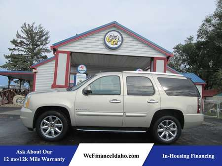 2007 GMC Yukon Denali AWD for Sale  - 8274  - Country Auto
