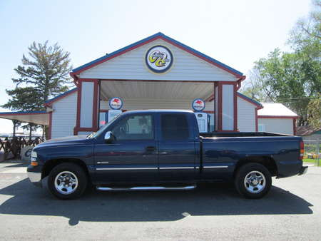 2002 Chevrolet Silverado 1500 LS Extended Cab for Sale  - 8136  - Country Auto