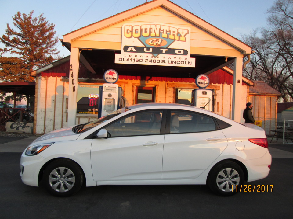 2016 Hyundai Accent  - Country Auto