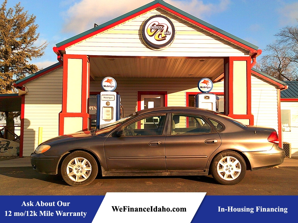 2005 Ford Taurus SE  - 8823  - Country Auto
