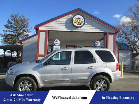 2004 Ford Escape Limited 4WD for Sale  - 8448  - Country Auto