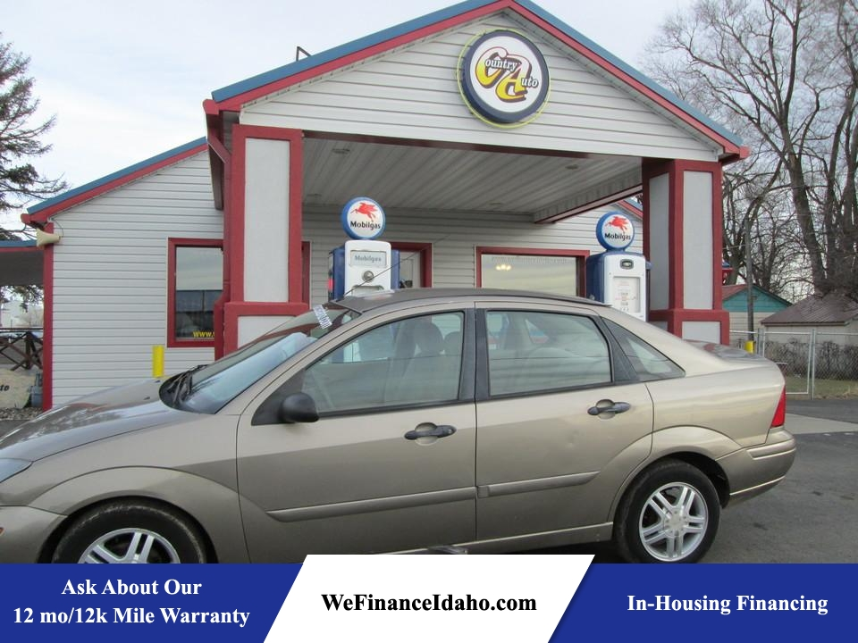 2004 Ford Focus  - Country Auto