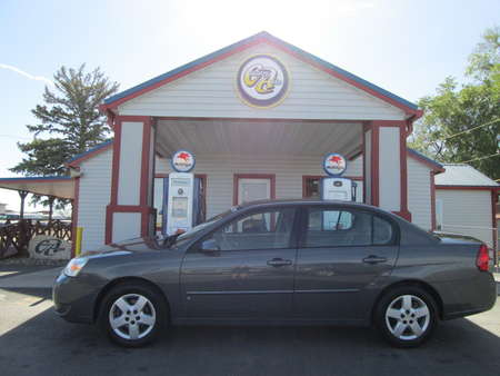 2008 Chevrolet Malibu Classic LT for Sale  - 8143R  - Country Auto
