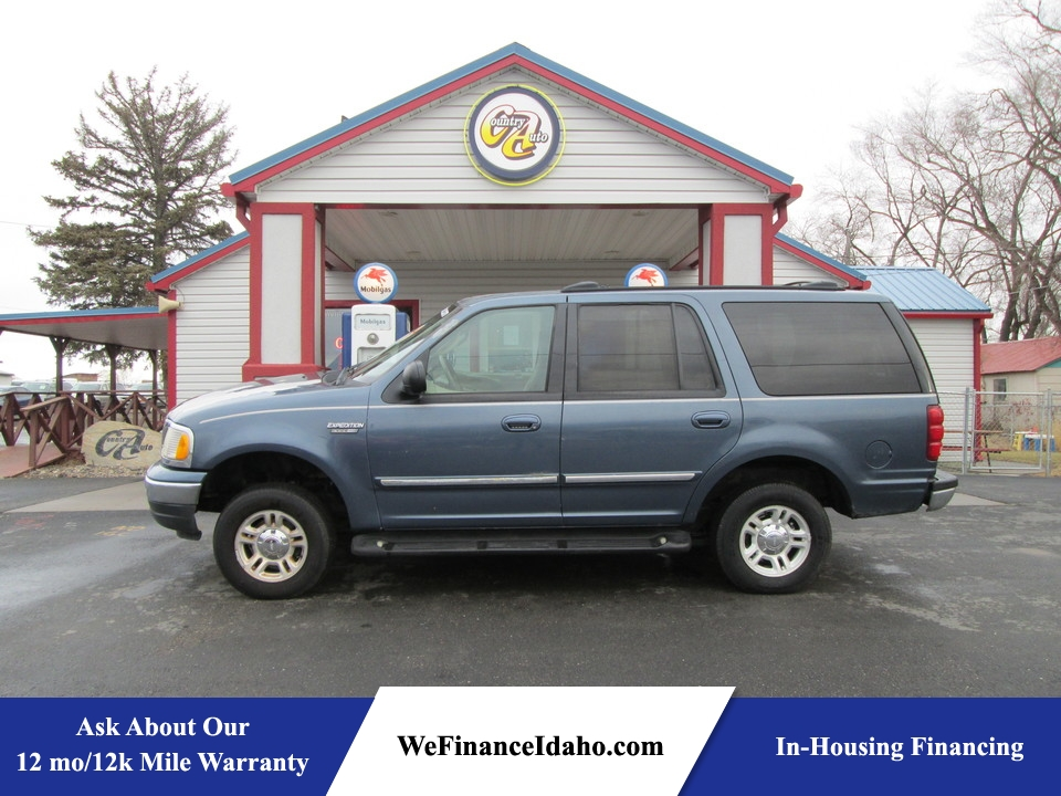 2001 Ford Expedition XLT 4WD  - 8178  - Country Auto