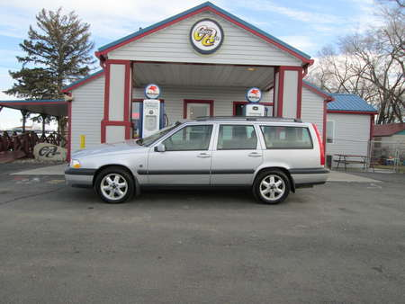 2000 Volvo V70 AWD for Sale  - 7978  - Country Auto