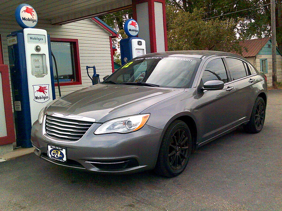 2012 Chrysler 200  - Country Auto