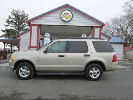 2005 Ford Explorer XLT 4WD for Sale  - 7941  - Country Auto