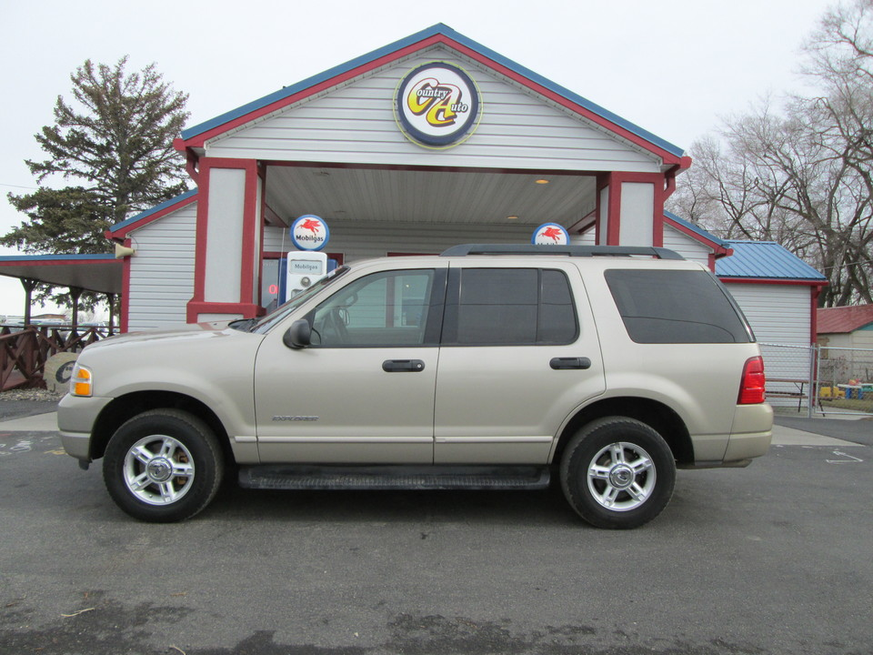 2005 Ford Explorer  - Country Auto