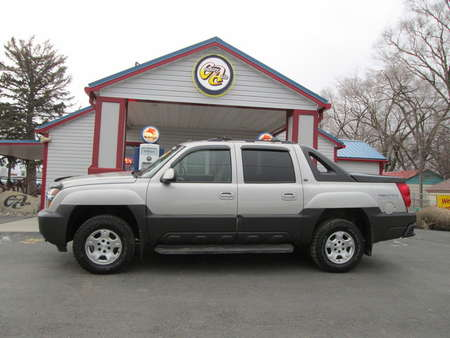 2005 Chevrolet Avalanche 4WD Crew Cab for Sale  - 7954  - Country Auto