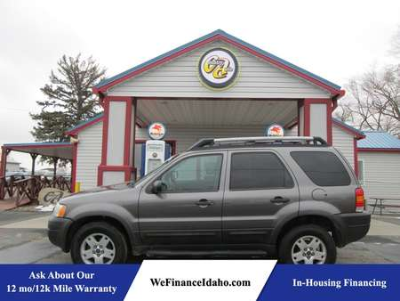 2005 Ford Escape XLS for Sale  - 8416B  - Country Auto