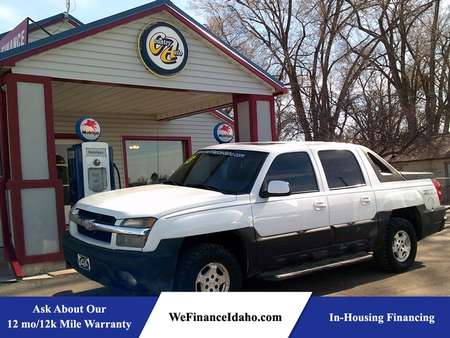 2003 Chevrolet Avalanche 4WD Crew Cab for Sale  - 8520R  - Country Auto