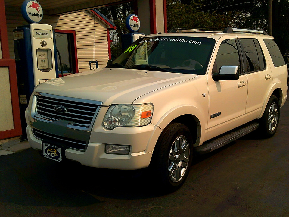 2008 Ford Explorer  - Country Auto