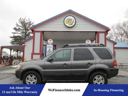 2003 Ford Escape XLT 4WD for Sale  - 8433  - Country Auto