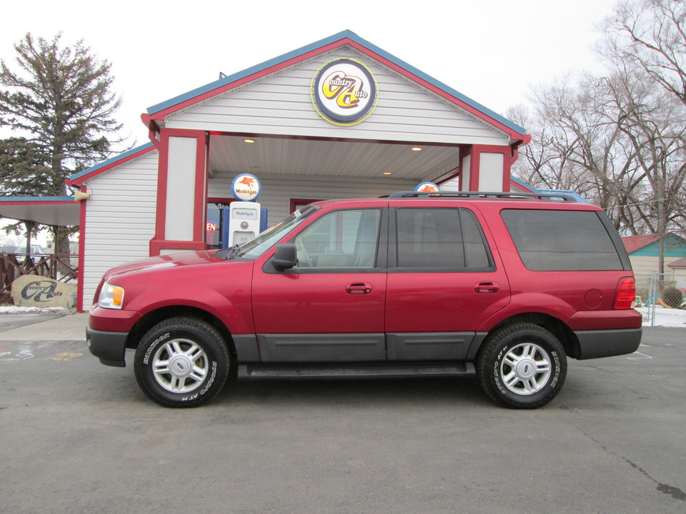 2005 Ford Expedition  - Country Auto
